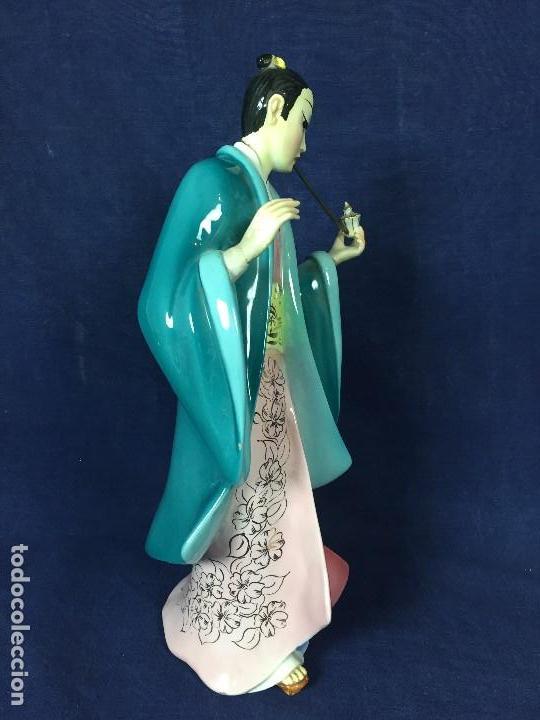Antigüedades: figura loza italiana personaje oriental fumando asia marca en la base italia 1940 - Foto 6 - 130239346