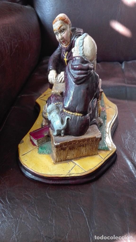 Antigüedades: Dos monjes sentados en una mesa,satira. - Foto 5 - 130265814