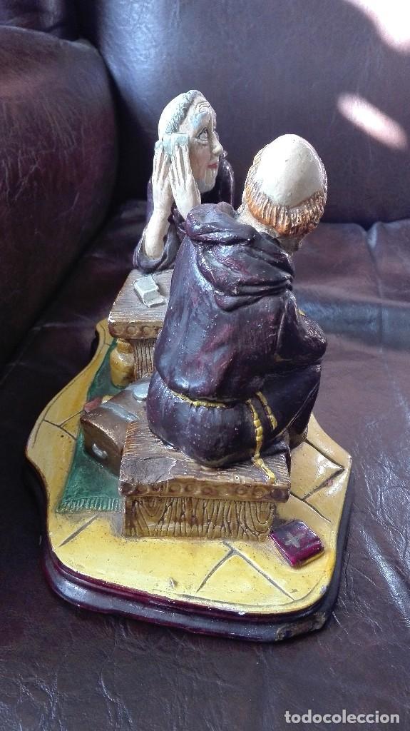 Antigüedades: Dos monjes sentados en una mesa,satira. - Foto 6 - 130265814