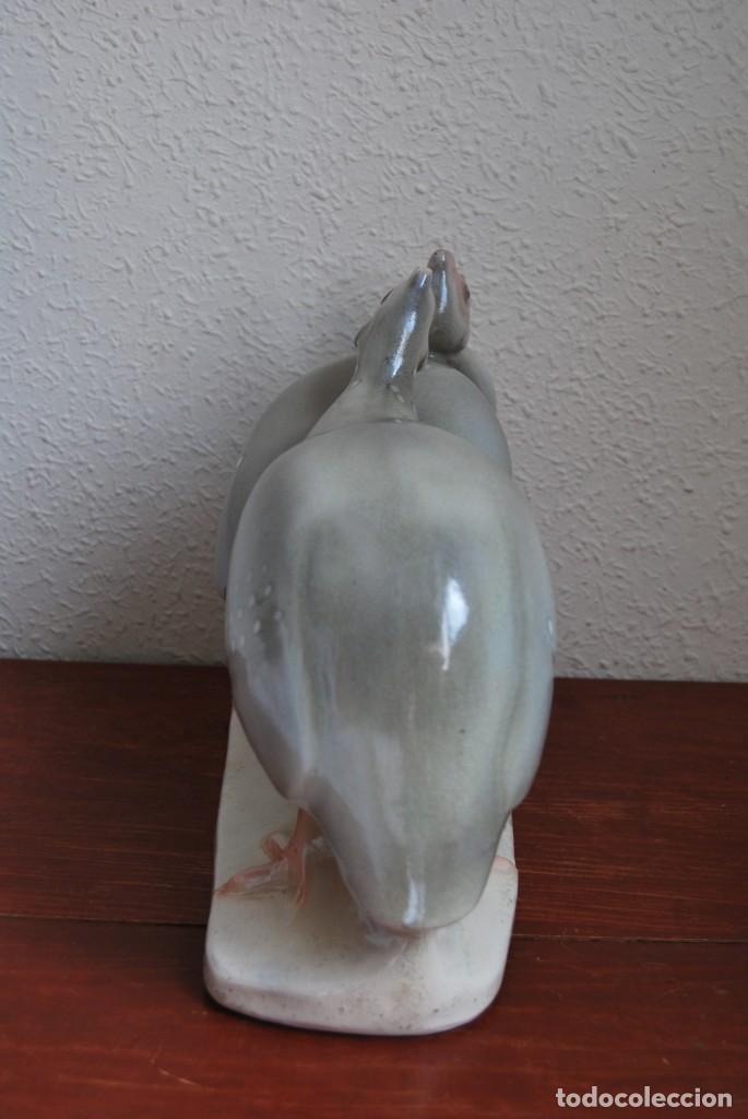 Antigüedades: FIGURA DE CERÁMICA CATALANA - CMT - JOSEP PUJOL I MONTANER - POLLOS - LOZA POLICROMADA - AÑOS 20-30 - Foto 5 - 130320726