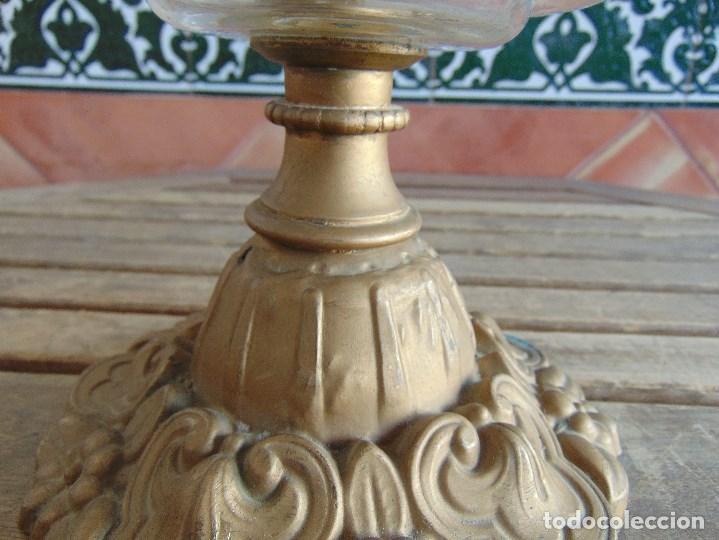 Antigüedades: MUY ANTIGUO QUINQUE QUINQUES EN FORMA EN METAL PINTADO Y CHIMENEA ,TULIPA EN CRISTAL HINK & SONS - Foto 6 - 130321762