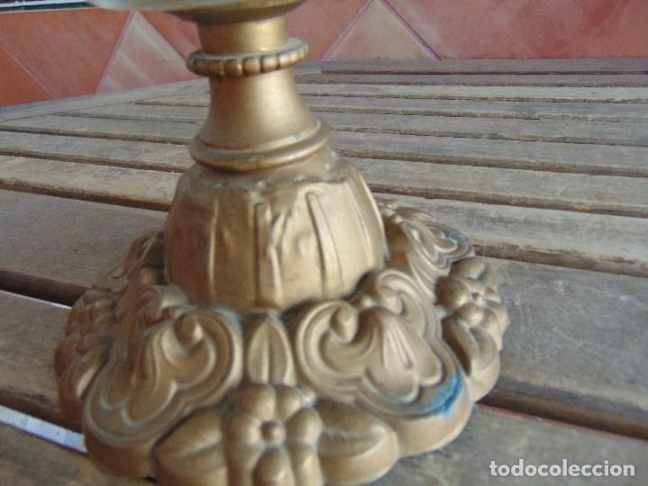 Antigüedades: MUY ANTIGUO QUINQUE QUINQUES EN FORMA EN METAL PINTADO Y CHIMENEA ,TULIPA EN CRISTAL HINK & SONS - Foto 8 - 130321762