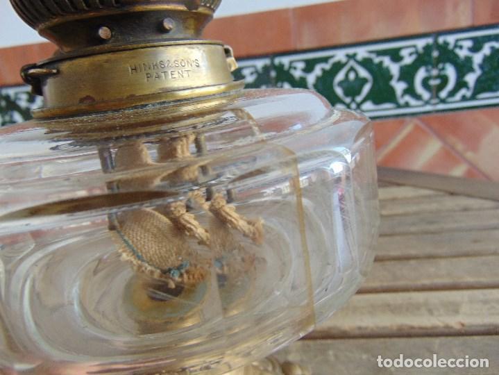 Antigüedades: MUY ANTIGUO QUINQUE QUINQUES EN FORMA EN METAL PINTADO Y CHIMENEA ,TULIPA EN CRISTAL HINK & SONS - Foto 12 - 130321762