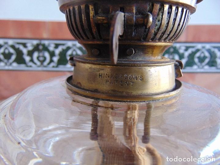 Antigüedades: MUY ANTIGUO QUINQUE QUINQUES EN FORMA EN METAL PINTADO Y CHIMENEA ,TULIPA EN CRISTAL HINK & SONS - Foto 14 - 130321762