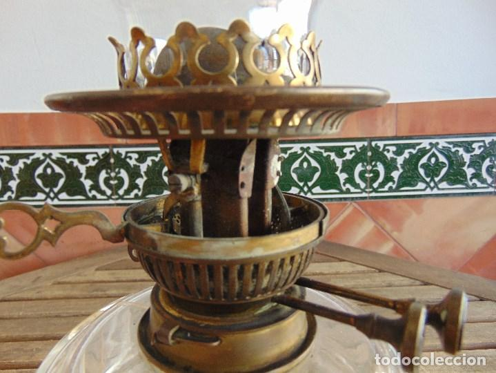 Antigüedades: MUY ANTIGUO QUINQUE QUINQUES EN FORMA EN METAL PINTADO Y CHIMENEA ,TULIPA EN CRISTAL HINK & SONS - Foto 16 - 130321762