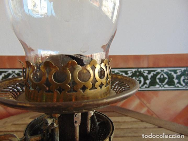 Antigüedades: MUY ANTIGUO QUINQUE QUINQUES EN FORMA EN METAL PINTADO Y CHIMENEA ,TULIPA EN CRISTAL HINK & SONS - Foto 18 - 130321762
