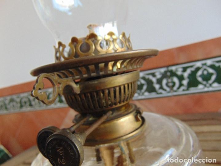 Antigüedades: MUY ANTIGUO QUINQUE QUINQUES EN FORMA EN METAL PINTADO Y CHIMENEA ,TULIPA EN CRISTAL HINK & SONS - Foto 22 - 130321762