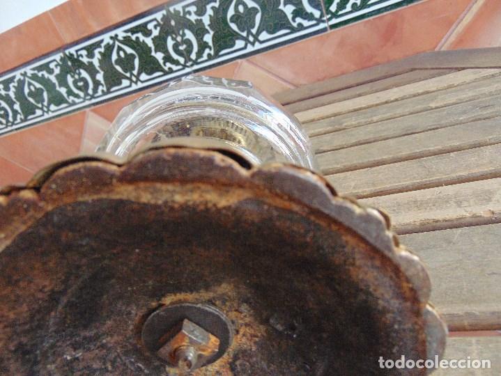 Antigüedades: MUY ANTIGUO QUINQUE QUINQUES EN FORMA EN METAL PINTADO Y CHIMENEA ,TULIPA EN CRISTAL HINK & SONS - Foto 30 - 130321762