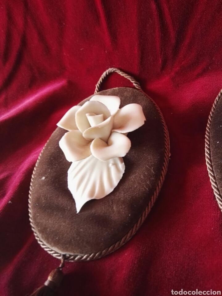 Antigüedades: Pareja porcelana flor las dos distintas antiguo - Foto 2 - 130335056