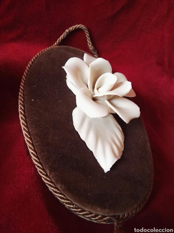 Antigüedades: Pareja porcelana flor las dos distintas antiguo - Foto 3 - 130335056