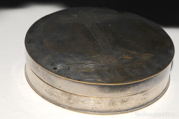 Antigüedades: HOSTIARIO EN BRONCE PLATEADO - SIGLO. XVIII - Foto 2 - 130324090