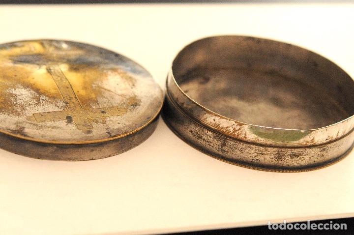 Antigüedades: HOSTIARIO EN BRONCE PLATEADO - SIGLO. XVIII - Foto 6 - 130324090