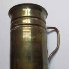 Antigüedades: ANTIGUA JARRA BRONCE LATÓN SIGLO XX. Lote 130361160