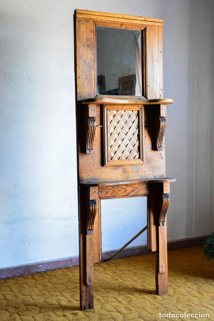 Antigüedades: Mueble auxiliar estantería con espejo para entrada o hall - Puerta confesionario antiguo de madera - Foto 7 - 130420930
