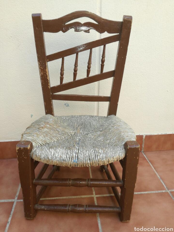 ANTIGUA SILLA DE ENEA BAJA (Antigüedades - Muebles Antiguos - Sillas Antiguas)