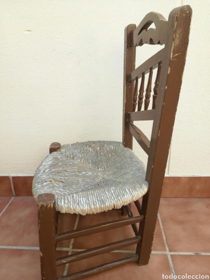 Antigüedades: Antigua silla de enea baja - Foto 2 - 130437618