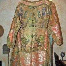 Antigüedades: MUY BONITA DALMATICA SIGLO XVIII EJEMPLAR DE COLECION. Lote 130444342