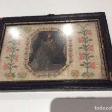 Antigüedades: BORDADO CIRCA 1800 CON MARCO ORIGINAL. POR DETRÁS CARTÓN PINTADO POR LA BORDADORA. Lote 130450918