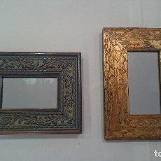Antigüedades: ESPEJOS CON MARCO DE MADERA DORADO Y AZUL, SUPER DECORATIVOS. Lote 130453806