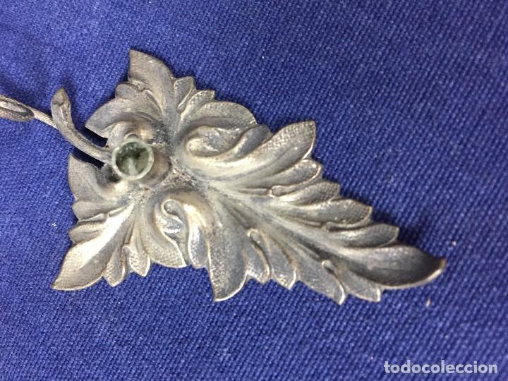 Antigüedades: antigua y pequeña palmatoria en metal plateado en forma de hoja un asa - Foto 6 - 130478854