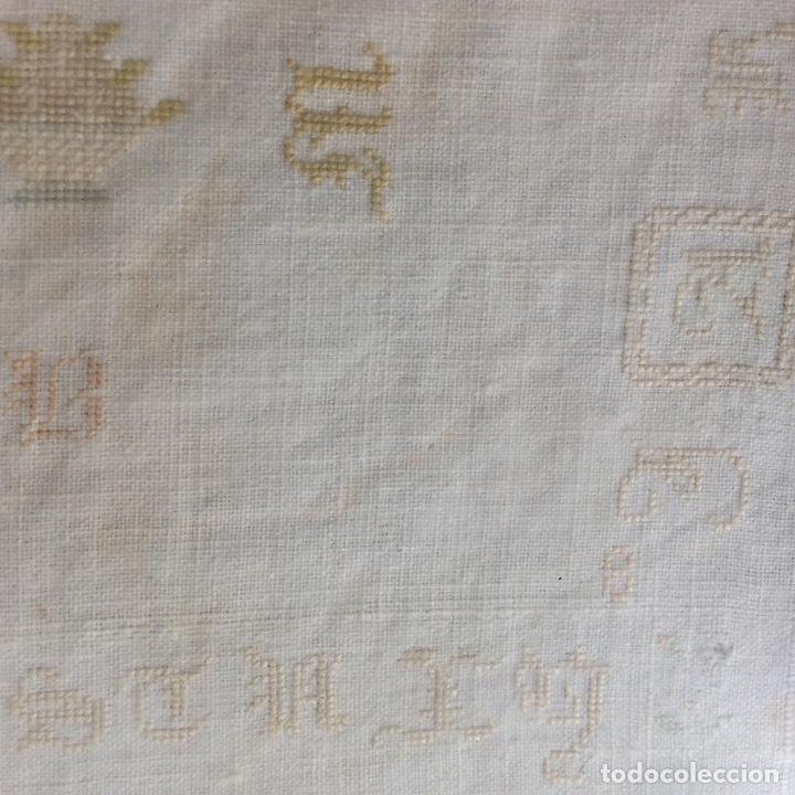 Antigüedades: Dechado bordado. Finales siglo XVIII. - Foto 5 - 130495898
