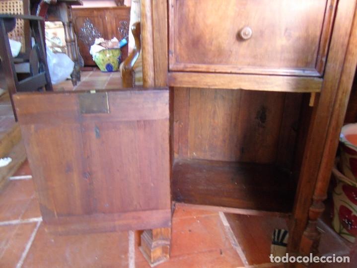 Antigüedades: MESILLA CON MARMOL BLANCO DE OREJAS - Foto 7 - 26040541