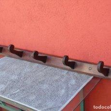Antigüedades: ANTIGUO PERCHERO DE MADERA, CON 5 PERCHAS TAMBIÉN DE MADERA. RESTAURADO. Lote 130526894