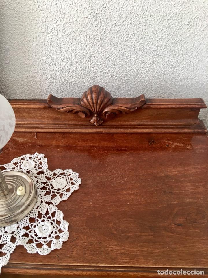 Antigüedades: Juego de dos mesillas de madera tallada-(18276) - Foto 6 - 130542623