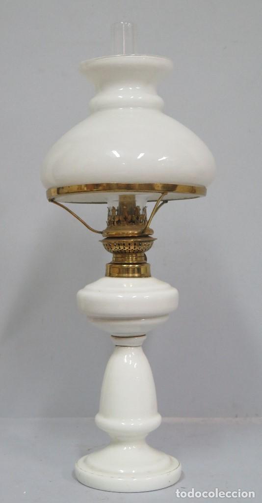 ANTIGUO QUINQUE DE OPALINA BLANCA. COMPLETO. SIGLO XIX (Antigüedades - Iluminación - Quinqués Antiguos)