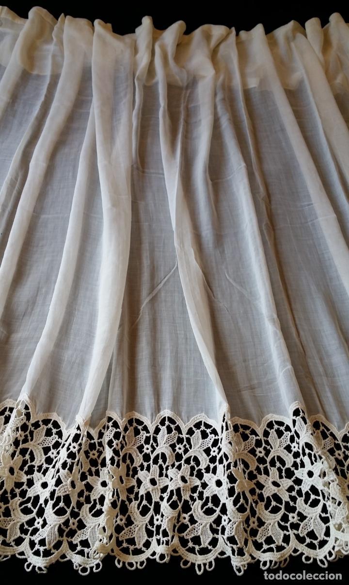Antigüedades: Antigua cortina con encaje - Foto 2 - 130623250