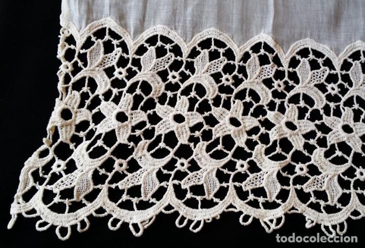 Antigüedades: Antigua cortina con encaje - Foto 5 - 130623250