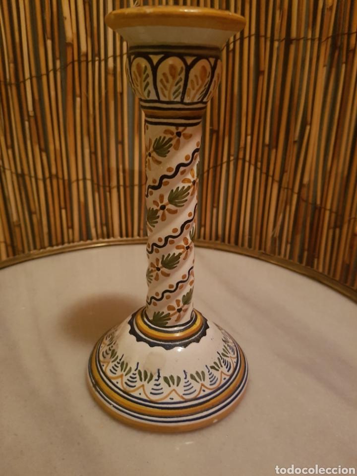 CANDELERO. CANDELABRO PORTAVELAS CERAMICA TALAVERA (Antigüedades - Porcelanas y Cerámicas - Talavera)