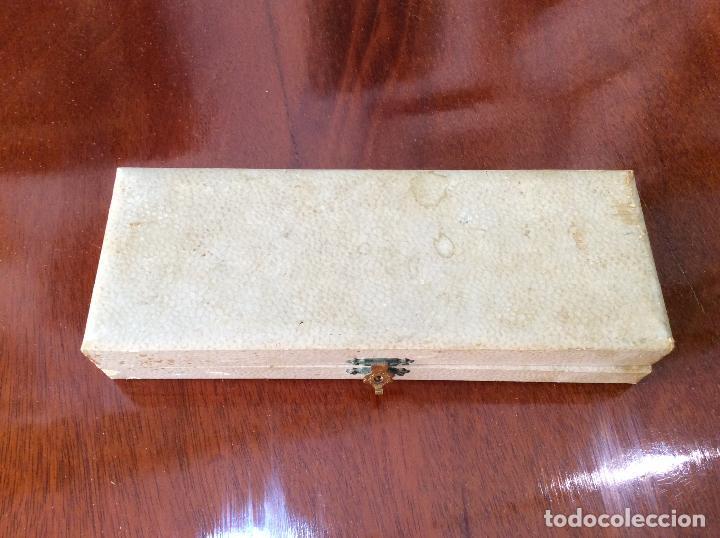 Antigüedades: PINZAS PLATA DE LEY. ESTUCHE ORIGINAL. - Foto 6 - 130667688