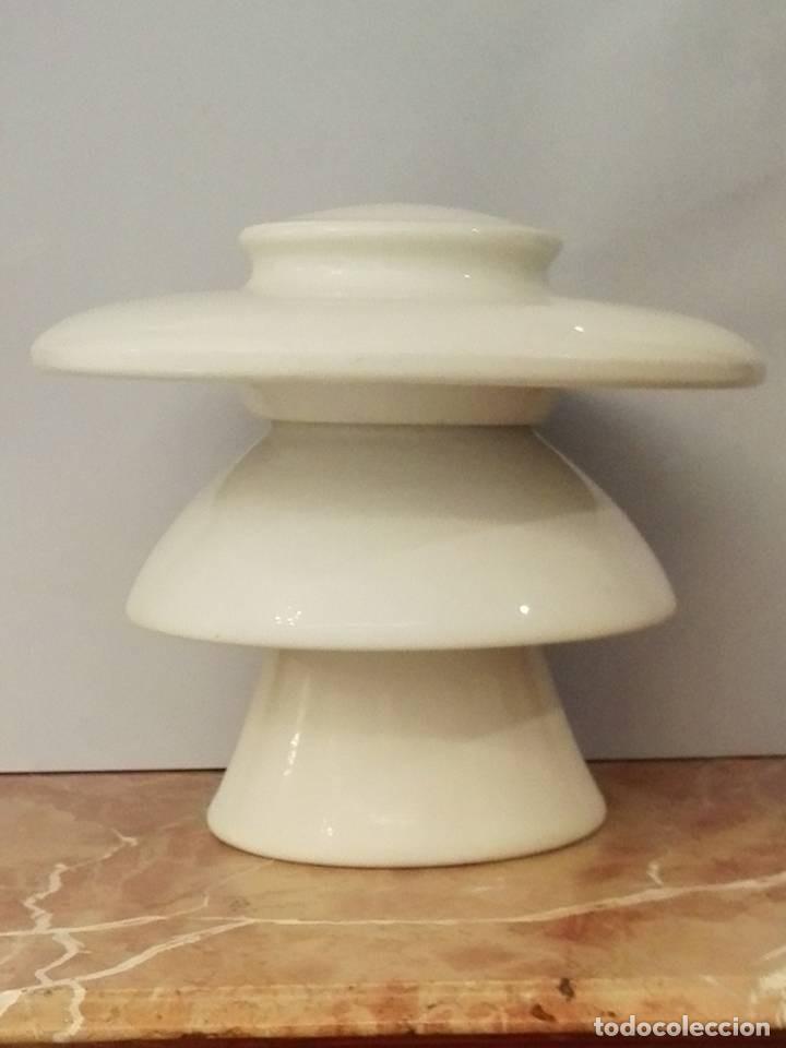GRAN AISLADOR AÑO 1923 (Antigüedades - Porcelanas y Cerámicas - Otras)