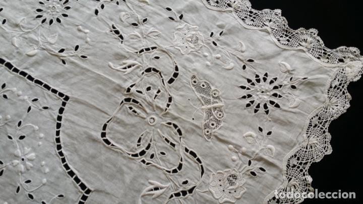 Antigüedades: Antiguo mantel - bordado modernista - Foto 6 - 130703844