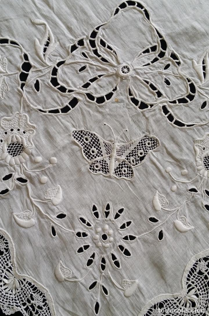 Antigüedades: Antiguo mantel - bordado modernista - Foto 10 - 130703844