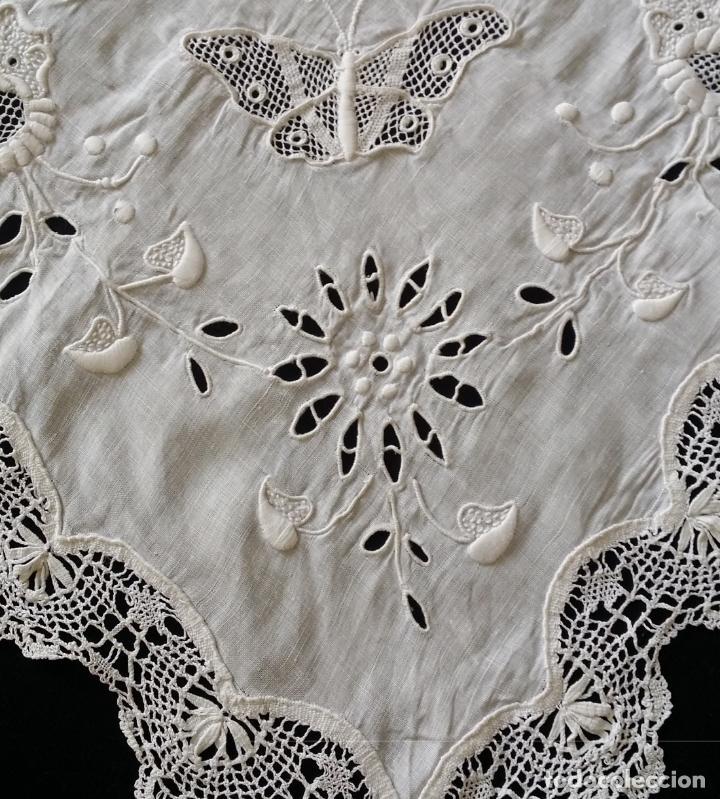 Antigüedades: Antiguo mantel - bordado modernista - Foto 11 - 130703844