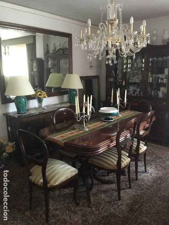 Antigüedades: Mesa de Salon extensible, seis sillas dos sillones(hay conjunto con vitrina y aparador con espejo) - Foto 2 - 130722429
