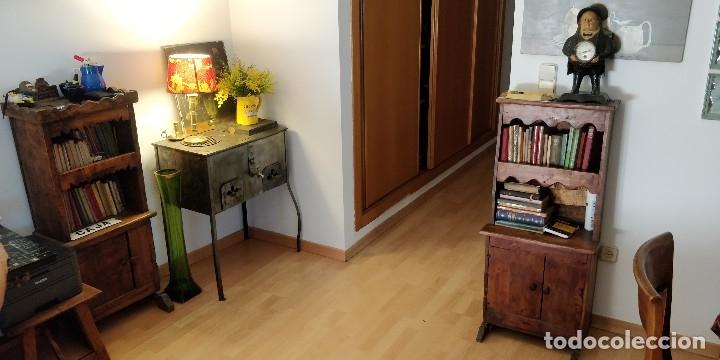 Antigüedades: Estantería- librería antigua de madera. Estilo Rustico. Muy decorativa.Tengo la pareja. - Foto 4 - 101736071