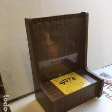 Antigüedades: BOTE PROPINA DE MADERA AÑOS 40. Lote 130765008