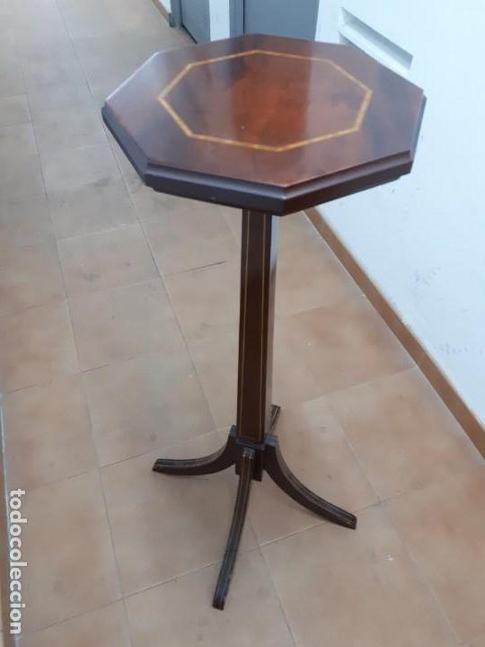 VELADOR MUEBLE PEDESTAL DE MADERA. ALTURA: 129 CMS. (Antigüedades - Muebles Antiguos - Auxiliares Antiguos)