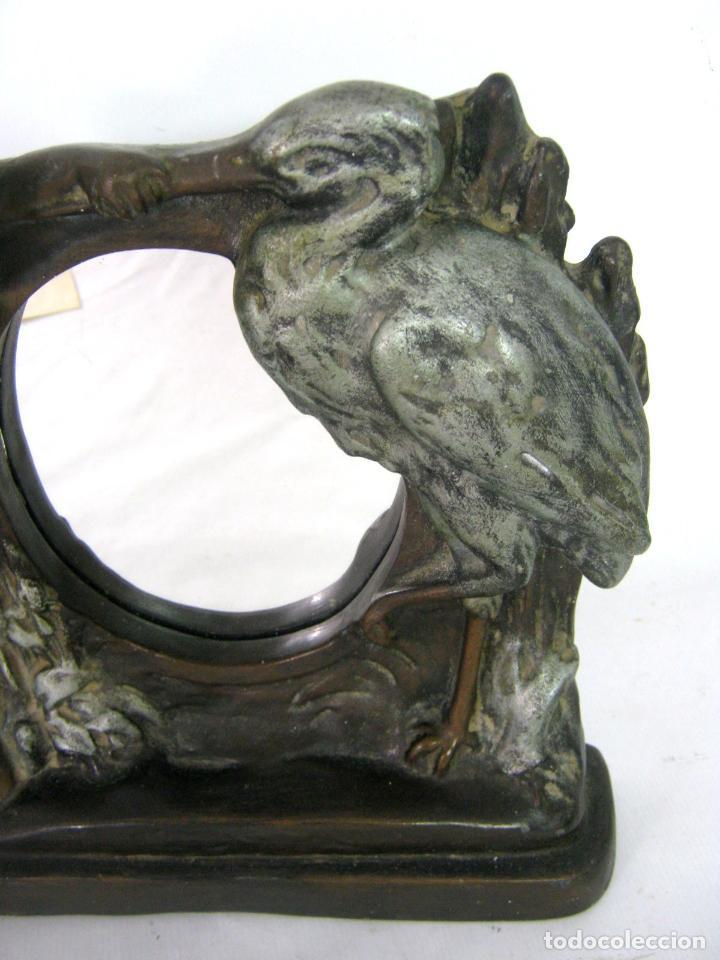 Antigüedades: 30 cm - Antiguo espejo de mesa Modernista Art Nouveau c.1900/1920 - Angel y cigüeña - Maternidad - Foto 6 - 130790100