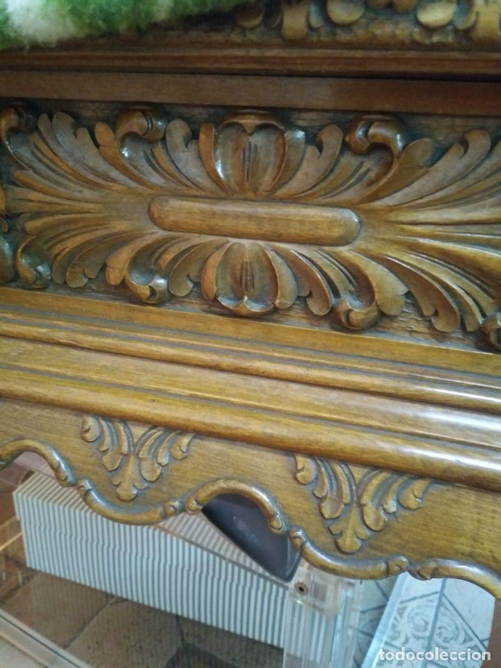 Antigüedades: Preciosa Mesa Despacho,madera noble tallada. - Foto 2 - 130792552