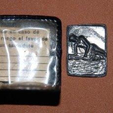Antigüedades: ANTIGUO ESCAPULARIO EN PLAQUITAS DE PLOMO. Lote 130870380