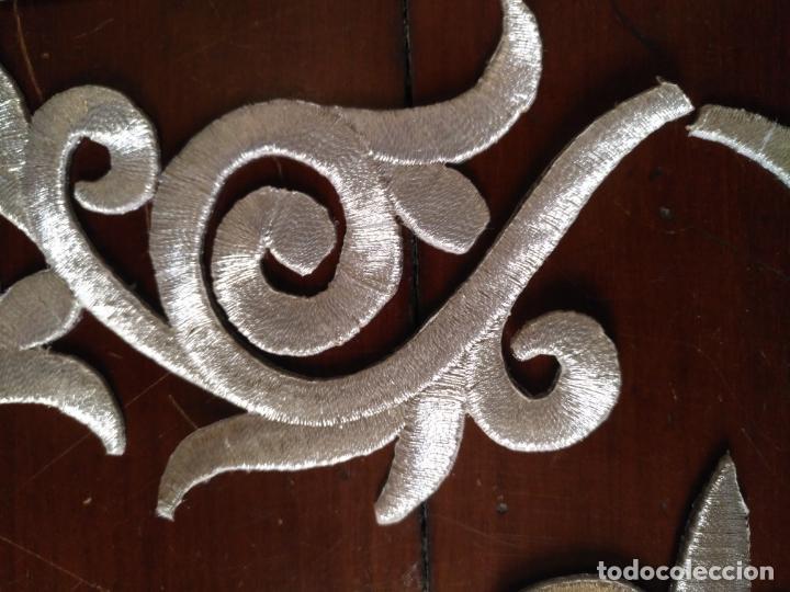 Antigüedades: fajin para virgen de tamaño natural composicion de 3 pieza aplicacion aplique bordado hilo plateado - Foto 3 - 141473732