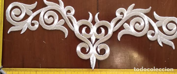 Antigüedades: fajin para virgen de tamaño natural composicion de 3 pieza aplicacion aplique bordado hilo plateado - Foto 6 - 141473732