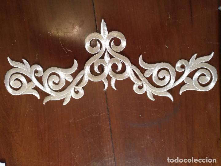 Antigüedades: fajin para virgen de tamaño natural composicion de 3 pieza aplicacion aplique bordado hilo plateado - Foto 8 - 141473732