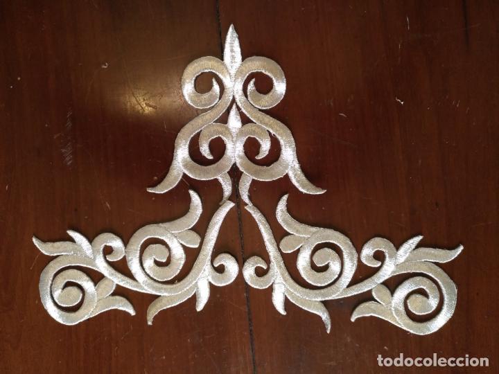 Antigüedades: fajin para virgen de tamaño natural composicion de 3 pieza aplicacion aplique bordado hilo plateado - Foto 9 - 141473732