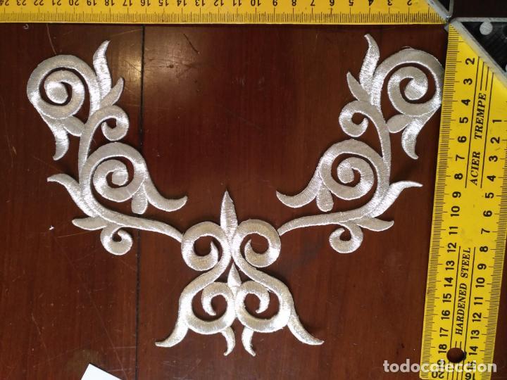 Antigüedades: fajin para virgen de tamaño natural composicion de 3 pieza aplicacion aplique bordado hilo plateado - Foto 10 - 141473732