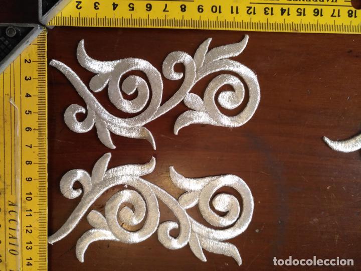 Antigüedades: fajin para virgen de tamaño natural composicion de 3 pieza aplicacion aplique bordado hilo plateado - Foto 11 - 141473732